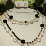 Downton necklace pearls