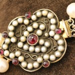 pearl restringing necklace