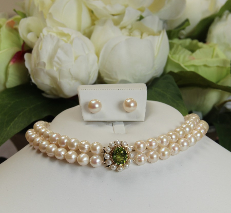 pearl chokers with gem