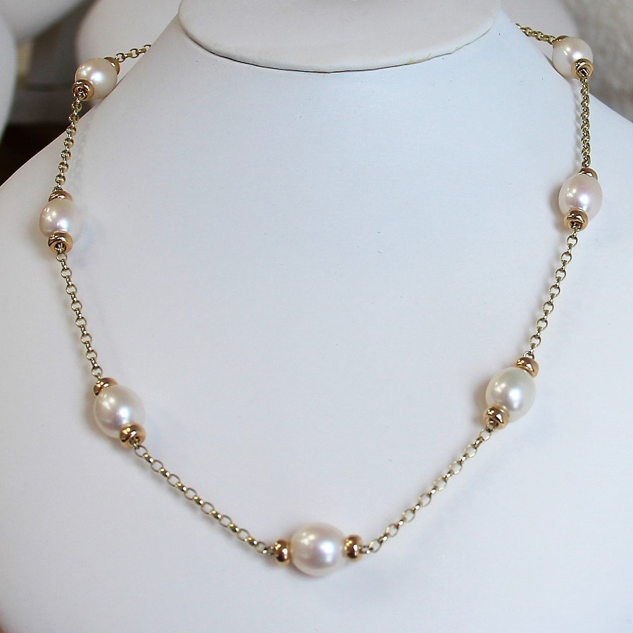 901b409d959e8 Classic Mary Berry inspired pearl necklace