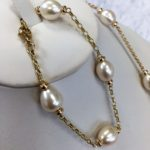 Mary Berry pearl bracelet