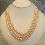 Royal pearl necklace
