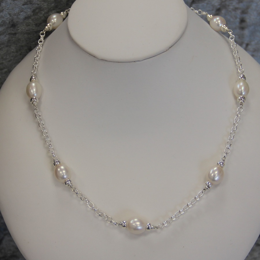 Mary Berry silver necklace